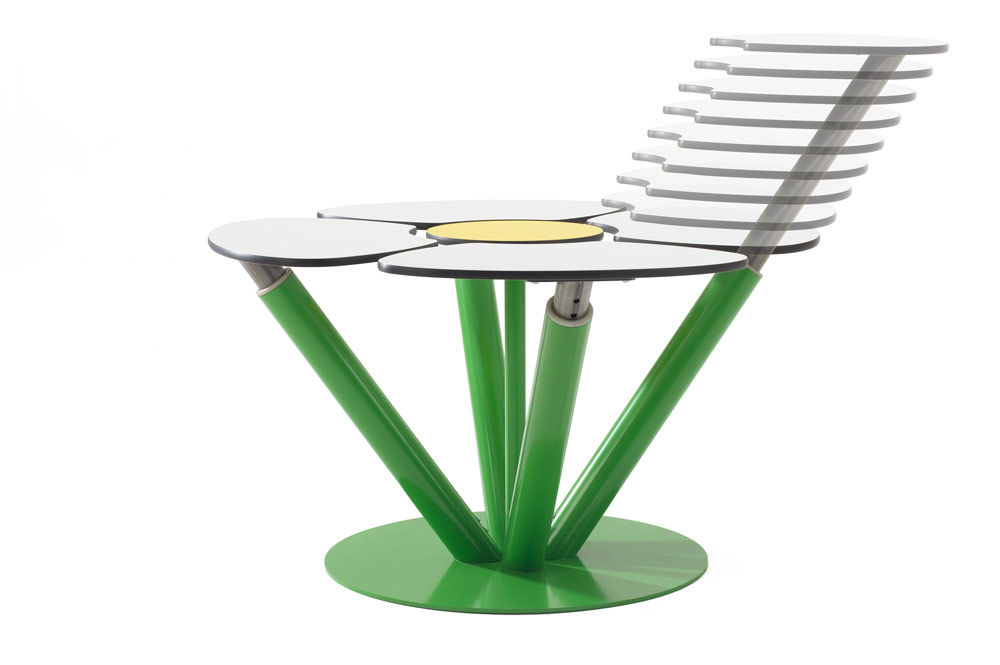 super ergonomic working coffee table with extendable platforms for you laptop