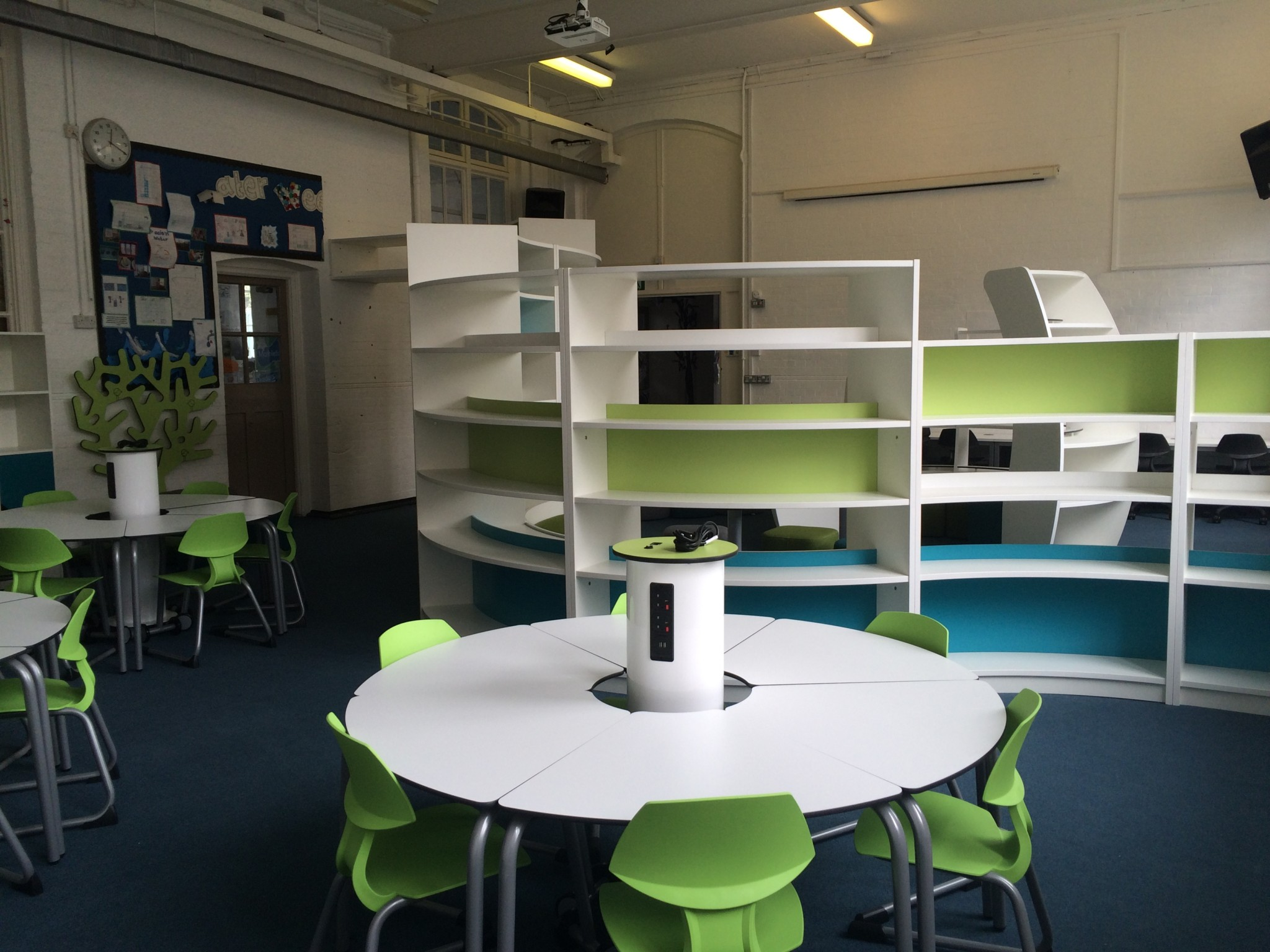 St James' C of E Primary – LRC powerhubs and t41 and t chairs